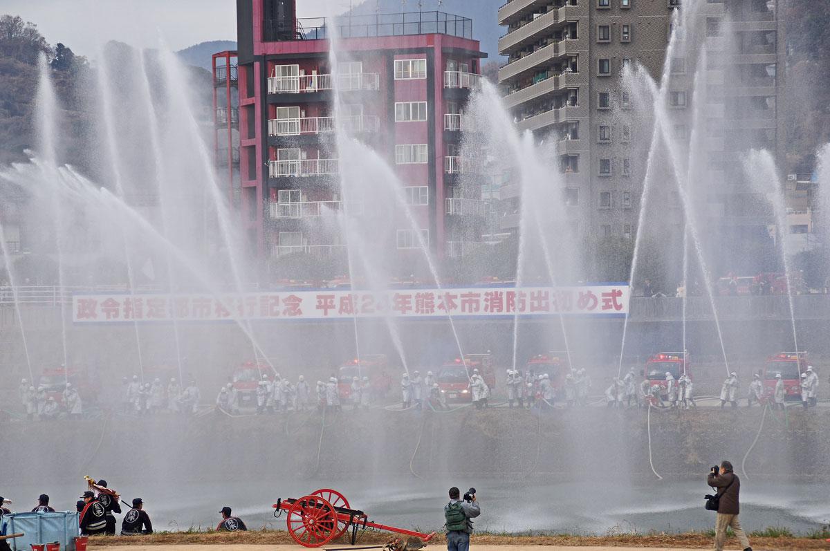 熊本消防出初式。_b0044115_1825424.jpg