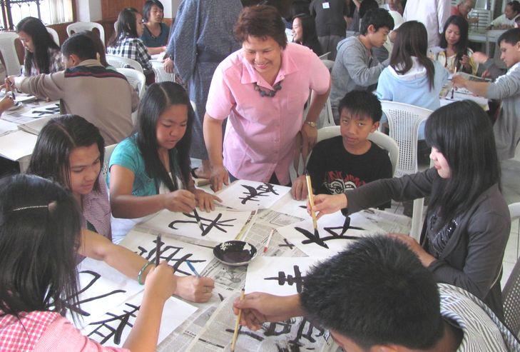 書初め大会 New Year Calligraphy writing 2012_a0109542_11321237.jpg