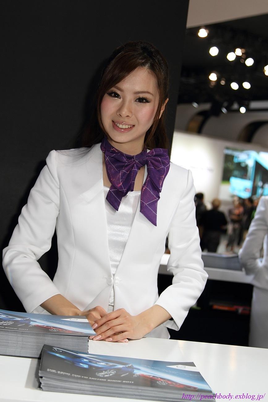 マツダ雄(TAKERI)SUPER GT 2011 の写真はこちらから。 マツダ(株) 鴻上聖奈