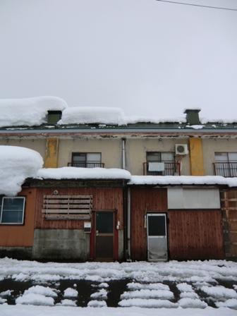 屋根の雪の心配がない家_a0128408_1821453.jpg