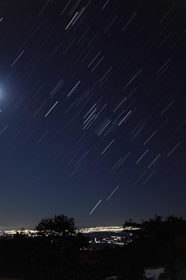 iPhone向け星空の壁紙  【iPhone壁紙】星と月と宇宙の壁紙画像