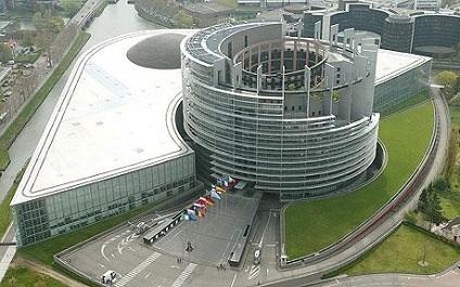 邪悪な場所-欧州議会 By Vigilant + おくりびと_c0139575_3573014.jpg