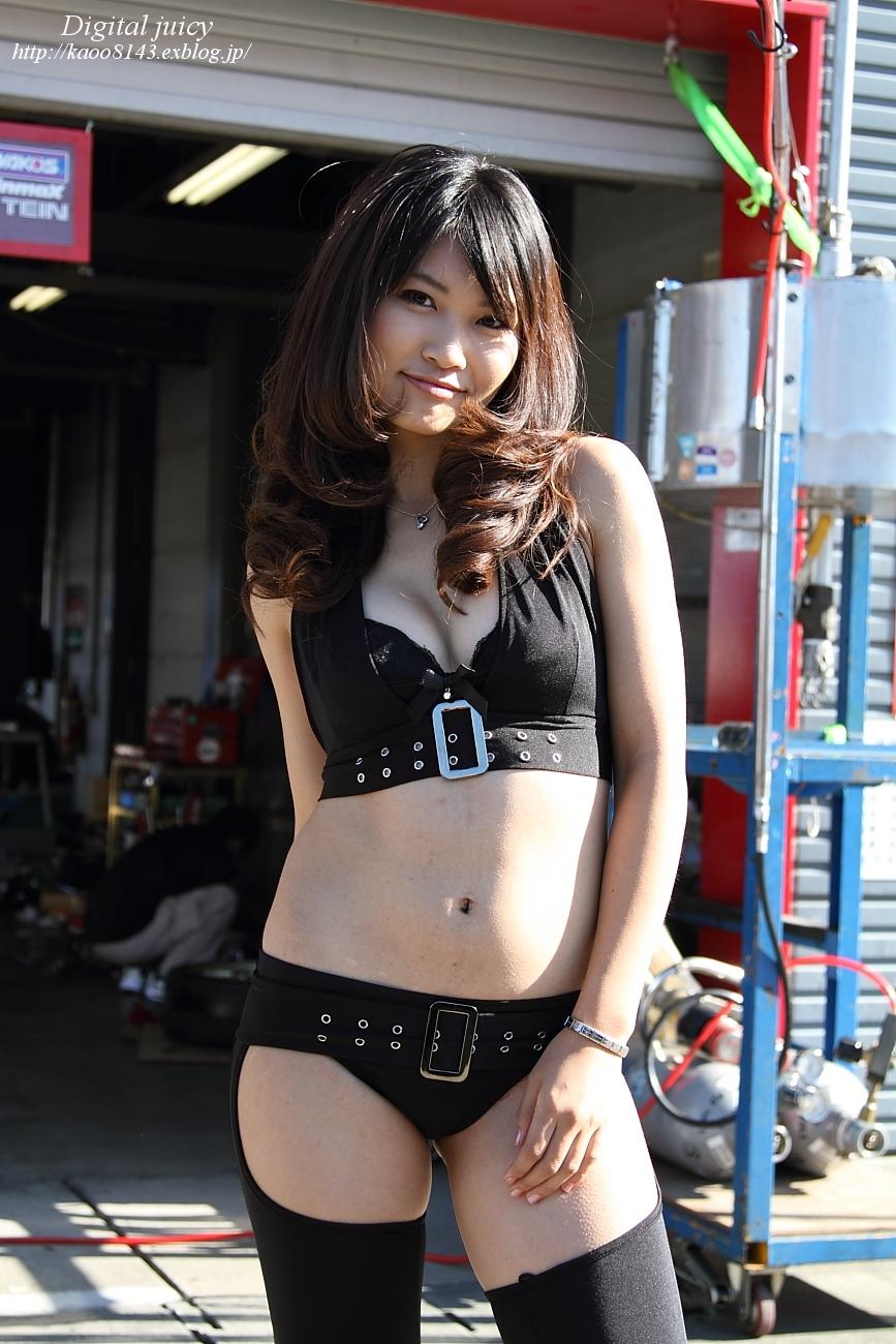 殊野真緒 さん(RCB with KRP レースクイーン)_c0216181_2119042.jpg