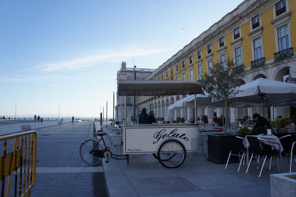 Lisboaで新年会!_c0180686_2163322.jpg