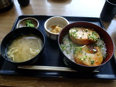 築地食堂 源ちゃん@晴海のあん肝のステーキ丼_d0044093_2227124.jpg