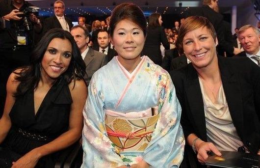 FIFA年間表彰式で澤選手が女子の最優秀選手賞に!!!_b0007805_73335.jpg