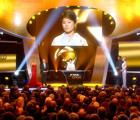 FIFA年間表彰式で澤選手が女子の最優秀選手賞に!!!_b0007805_7471372.jpg