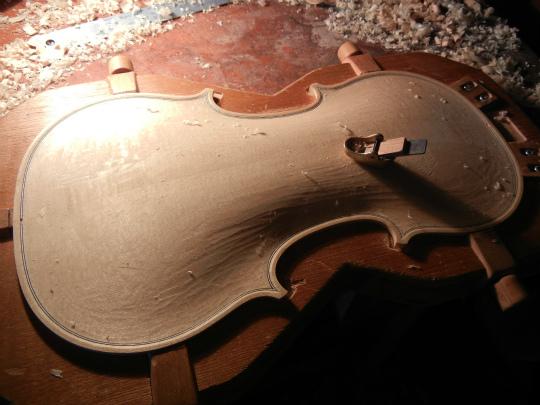 ヴァイオリン製作記再開_d0047461_167417.jpg
