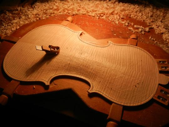 ヴァイオリン製作記再開_d0047461_168421.jpg