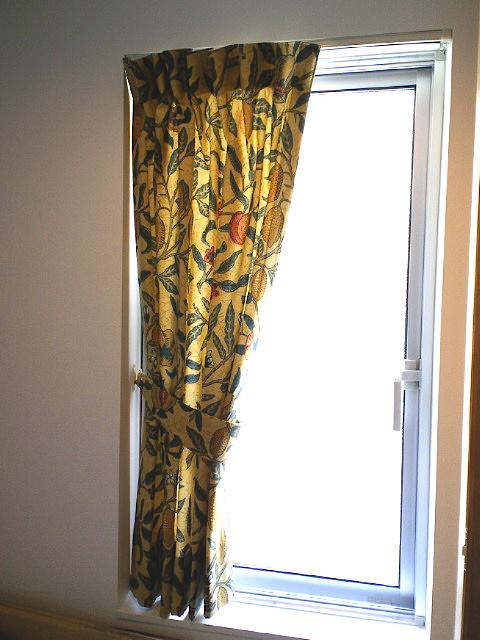 ウィリアムモリスのカーテンを楽しむ。_c0157866_21331320.jpg