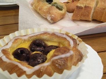 パンを求め長野県佐久市へ・・・_a0211886_1594965.jpg