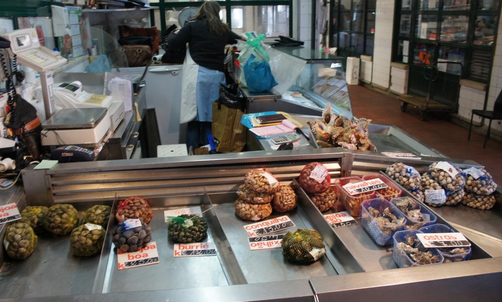 リスボンの魚市場!_c0180686_1829314.jpg