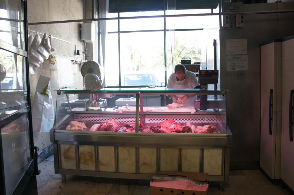 リスボンの魚市場!_c0180686_18303697.jpg