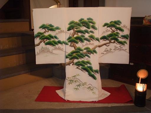 新春にふさわしい、お宮参りの着物_d0230676_1610261.jpg