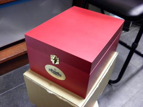 シューケアボックスあります!_d0166598_1535510.jpg