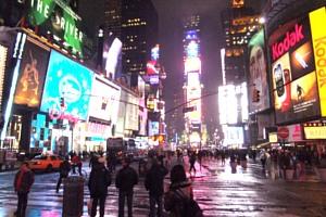 真冬のニューヨークでも元気な裸のカウボーイさん_b0007805_20192698.jpg