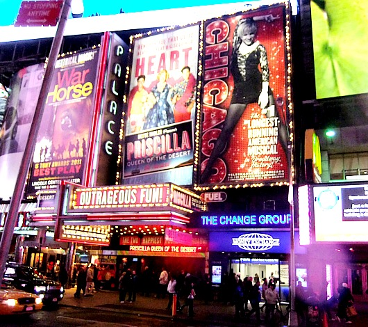 街角がステージ、日常もショーのワンシーンなニューヨーク_b0007805_20303961.jpg