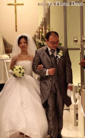 白とグリーンのクラッチブーケ 水天宮ロイヤルパークホテルさんへ_b0113510_13185143.jpg