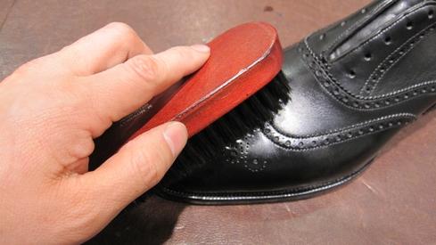 スムースレザー(一般的な革靴)のお手入れ_b0226322_19273754.jpg
