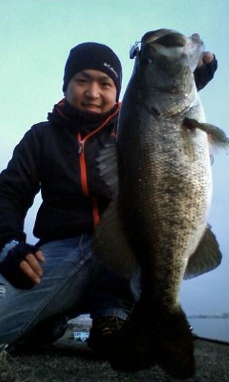 釣果報告 『琵琶湖にて3キロオーバー!!』 ビーツァM5_d0145899_19555046.jpg