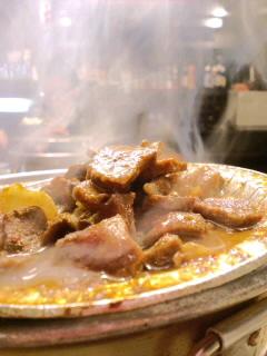 ホルモン焼き屋のスリランカカレー風味タン焼き_c0033210_1015613.jpg