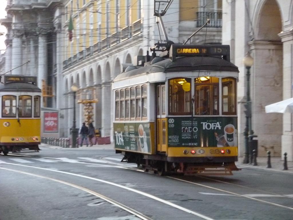 Lisboa、日曜日。空港からです。_c0180686_18122100.jpg