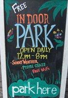 今年もNYのギャラリーが緑いっぱいの室内公園に Park Here_b0007805_2053930.jpg