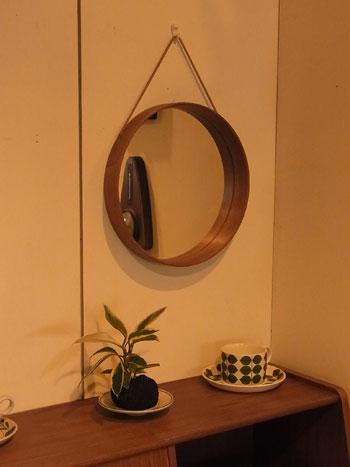 mirror_c0139773_1859414.jpg