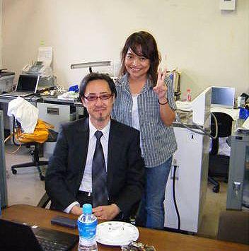 A Happy New Virus! :東大河岡教授を逮捕せよ!神戸大の秘密研究室で殺人ウィルス製造!_e0171614_14471628.jpg