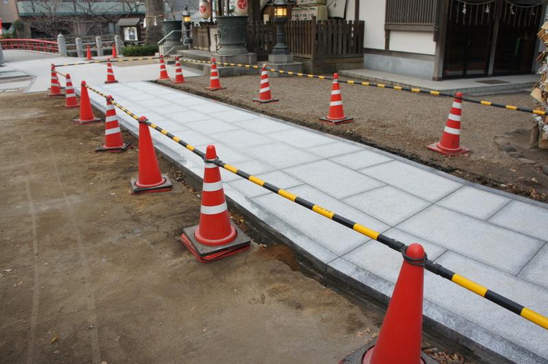 秋葉神社 参道改修工事  2011.12.23_e0223769_18575578.jpg