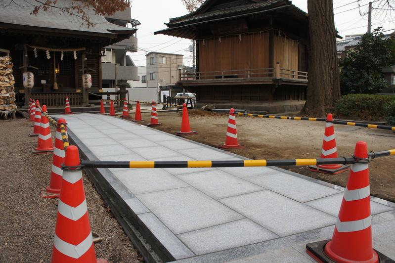 秋葉神社 参道改修工事  2011.12.23_e0223769_18582384.jpg