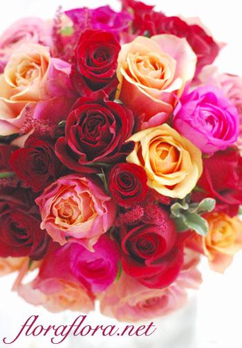 """紅バラ\""""バーガンディ\""""、オレンジバラ\""""チェリーブランディ\""""のシックなラウンドブーケ 目黒雅叙園様お届け_a0115684_023765.jpg"""