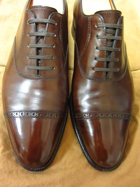 John Lobb ジョンロブのPhilip II フィリップⅡの靴磨き