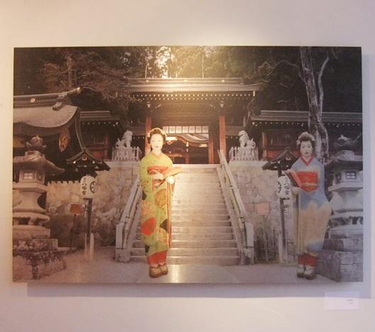イタリア人アーティストさんによる日本の舞妓さんが登場するアート作品展_b0007805_2081685.jpg