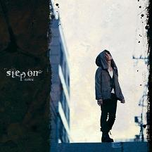 """動画投稿サイトで活躍する男性歌い手""""amu""""のメジャー第一弾アルバム『amu / step on』_e0025035_2317444.jpg"""