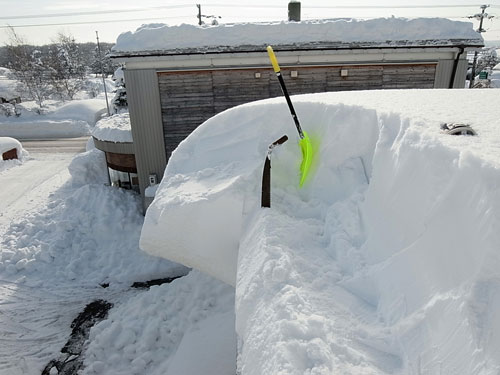 雪庇落としに、トライ!_c0189970_11161488.jpg