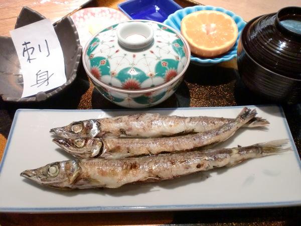 本日の日替わりは焼き魚定食です!_d0241628_126524.jpg