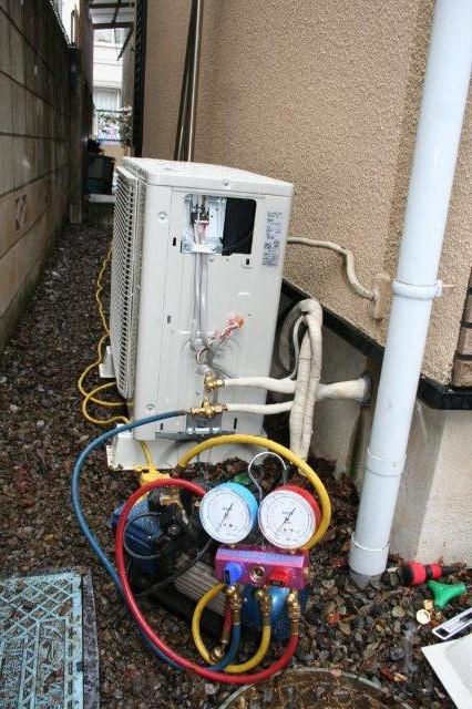ガス式2室マルチエアコンの入替え(東京都中野区)_e0207151_17223296.jpg