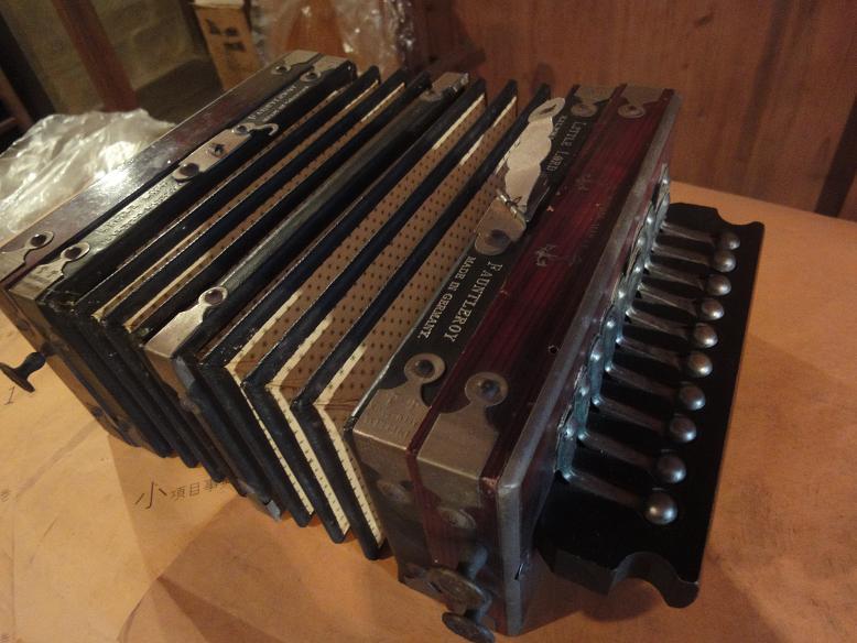 ドイツ製手風琴_b0124462_6133492.jpg