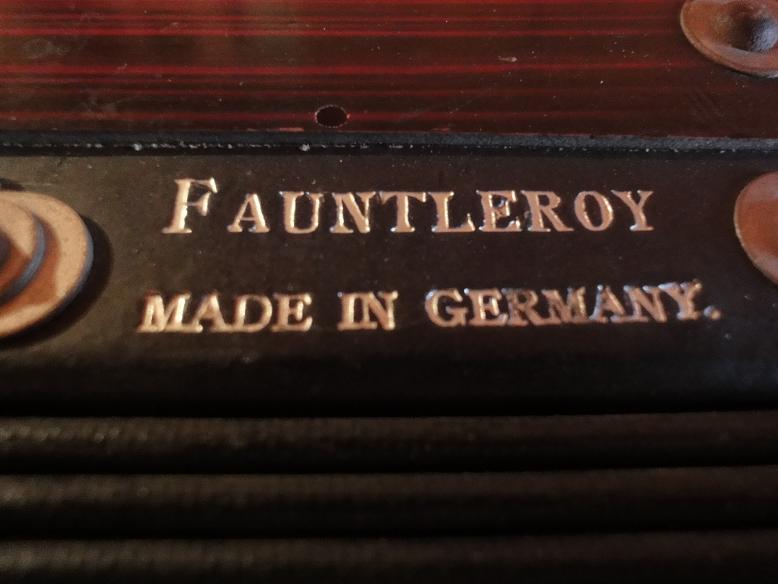 ドイツ製手風琴_b0124462_69353.jpg