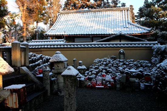 淡雪3 大徳寺を歩く_e0048413_20474519.jpg