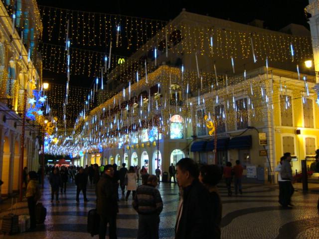 マカオへ行く。④ ~夜の世界遺産と歓楽街~_f0232060_18123124.jpg