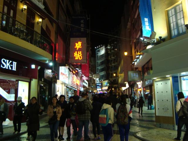 マカオへ行く。④ ~夜の世界遺産と歓楽街~_f0232060_18233177.jpg