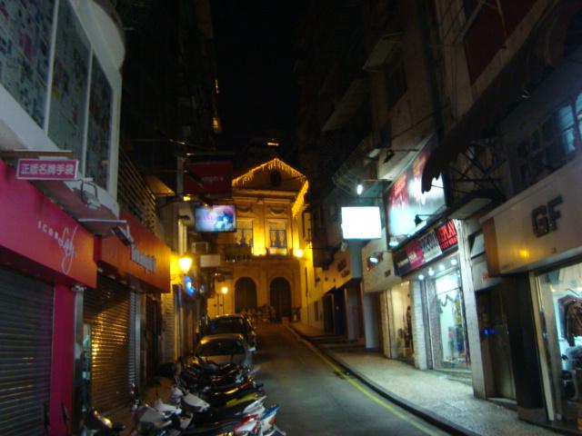マカオへ行く。④ ~夜の世界遺産と歓楽街~_f0232060_18265845.jpg