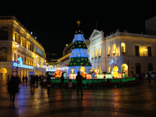 マカオへ行く。④ ~夜の世界遺産と歓楽街~_f0232060_1882616.jpg