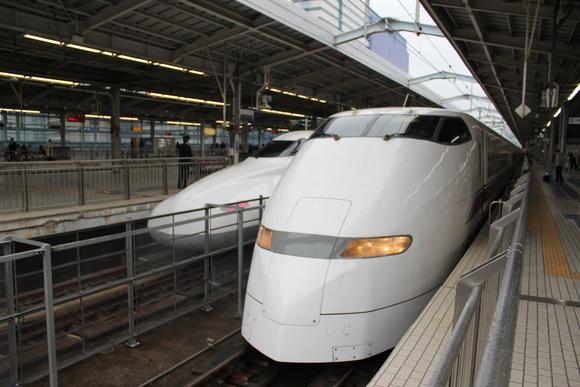 300系 ひかり 新大阪駅にて_d0202264_112455.jpg