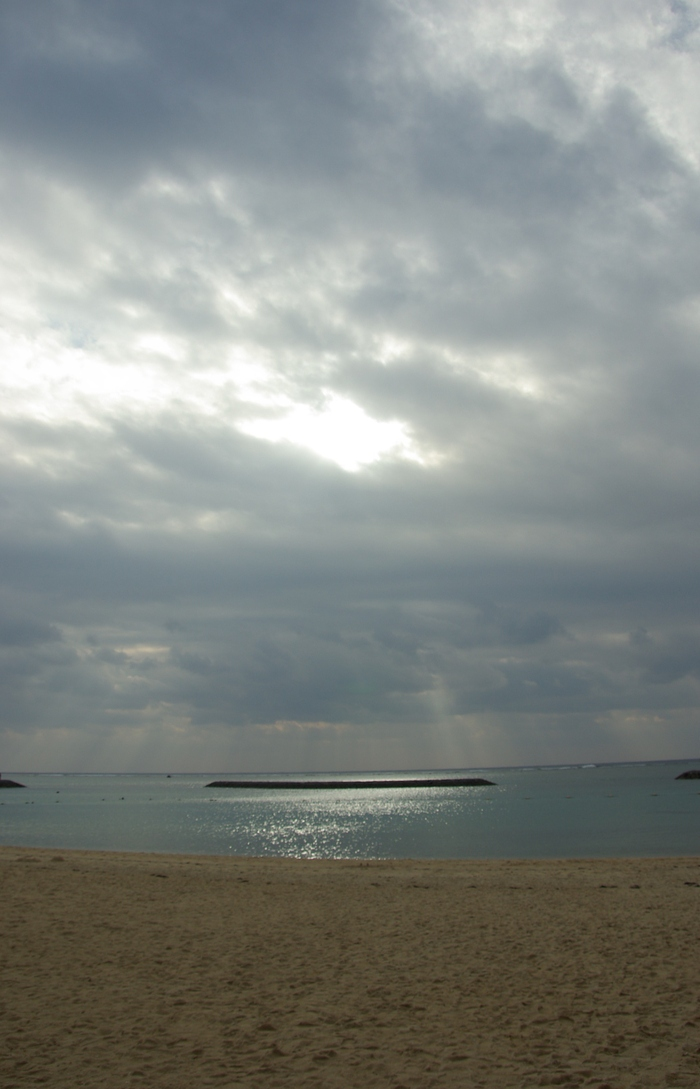 元旦の真栄里ビーチ/The Beginning of 2012 at Ishigaki Island_e0140365_19254527.jpg