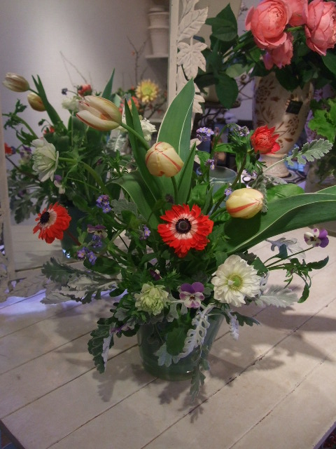 オークリーフ花の教室(島崎さんと勝俣さんの作品)_f0049672_18174495.jpg