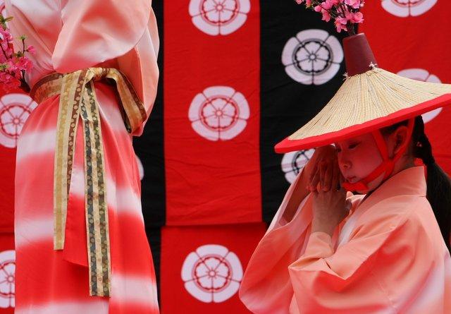 京都 随心院のはねず踊り_c0196076_22275287.jpg