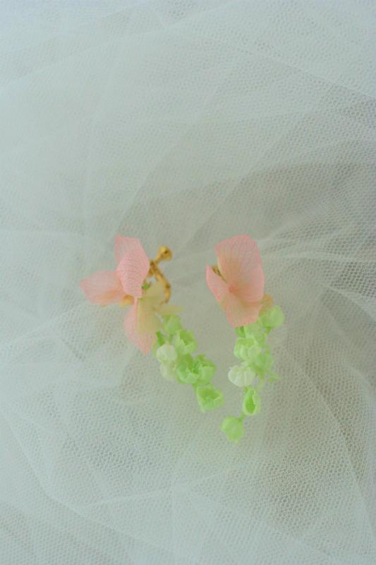花のネックレス、イヤリング、カチューシャ、リストレット、トトロなブーケ モントレ赤坂様へ_a0042928_983610.jpg